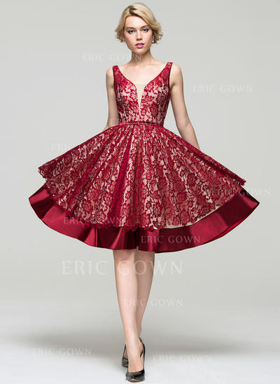 A-Line/Princess V-neck Knee-Length Charmeuse Lace Homecoming Dresses (022214071)
