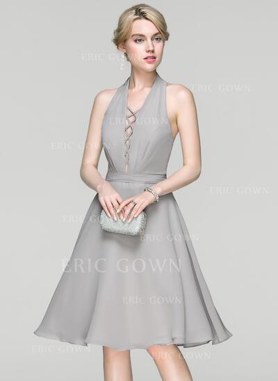 A-Line/Princess Halter Knee-Length Chiffon Cocktail Dress With Ruffle (016094384)