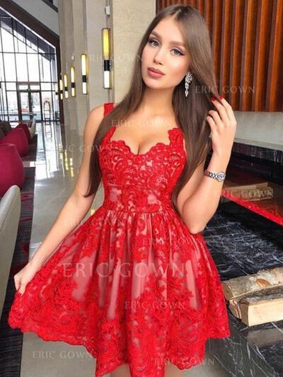 A-Line/Princess V-neck Short/Mini Homecoming Dresses With Appliques Lace (022216361)