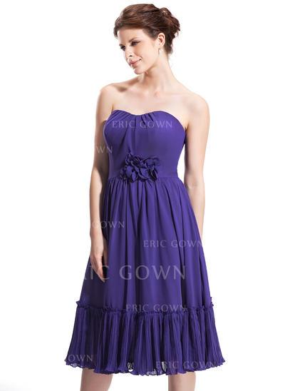 A-Line/Princess Sweetheart Knee-Length Homecoming Dresses With Ruffle Flower(s) (022214032)