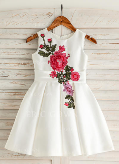 A-Line/Princess Scoop Neck Knee-length With Embroidered Satin/Cotton Flower Girl Dresses (010212154)