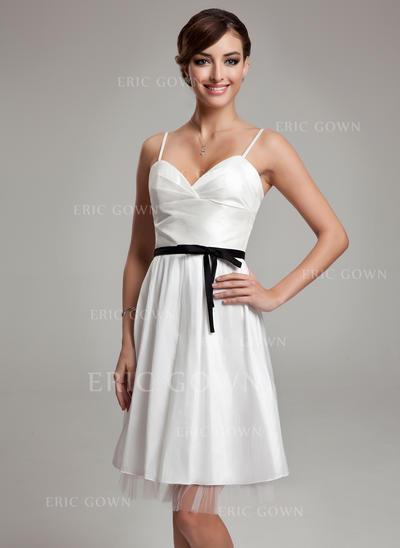 A-Line/Princess Sweetheart Knee-Length Wedding Dresses With Ruffle Sash Bow(s) (002001338)