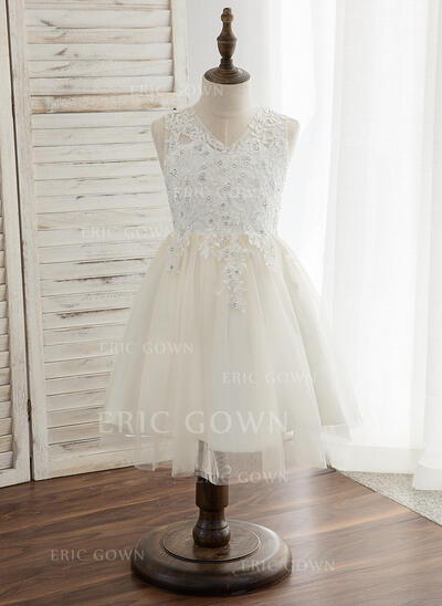 A-Line/Princess Knee-length Flower Girl Dress - Tulle/Lace Sleeveless Scoop Neck With V Back (010148813)