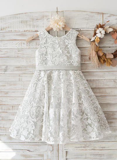 A-Line/Princess Knee-length Flower Girl Dress - Lace Sleeveless Scoop Neck With Bow(s)/V Back (010117696)