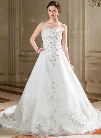 A-Line/Princess Sweetheart Chapel Train Wedding Dresses With Sequins (002211159)