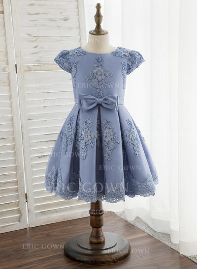 A-Line Knee-length Flower Girl Dress - Satin/Lace Short Sleeves Scoop Neck With Bow(s) (010172382)