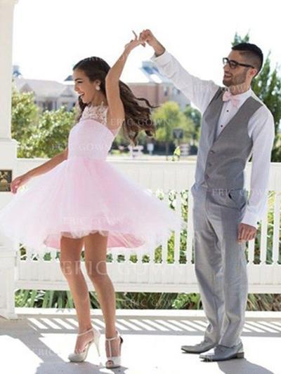 A-Line/Princess Scoop Neck Short/Mini Tulle Cocktail Dresses With Appliques Lace (016217737)
