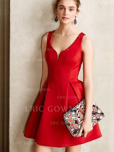 A-Line/Princess V-neck Short/Mini Homecoming Dresses With Ruffle (022216376)
