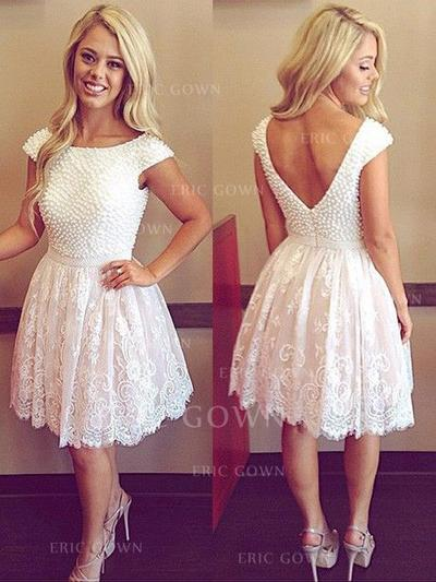 A-Line/Princess Scoop Neck Knee-Length Homecoming Dresses With Beading Appliques (022212337)