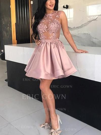 A-Line/Princess Scoop Neck Short/Mini Cocktail Dresses With Appliques (016219365)