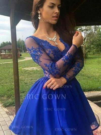 A-Line/Princess V-neck Short/Mini Homecoming Dresses With Appliques Lace (022216229)