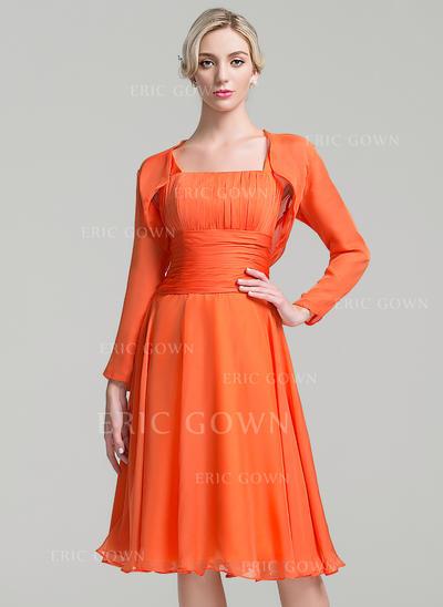 A-Line/Princess Chiffon Sleeveless Square Neckline Knee-Length Zipper Up Mother of the Bride Dresses (008094753)