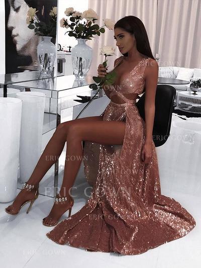 A-Line/Princess V-neck Floor-Length Prom Dresses With Ruffle (018218141)