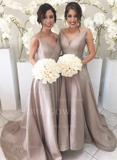 A-Line/Princess V-neck Sweep Train Bridesmaid Dresses With Ruffle (007211683)