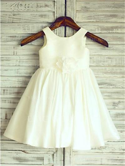 A-Line/Princess Scoop Neck Knee-length With Flower(s)/Pleated Taffeta Flower Girl Dresses (010212045)