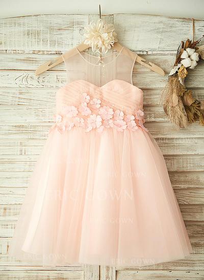 A-Line/Princess Knee-length Flower Girl Dress - Tulle Sleeveless Scoop Neck With Flower(s) (010104931)