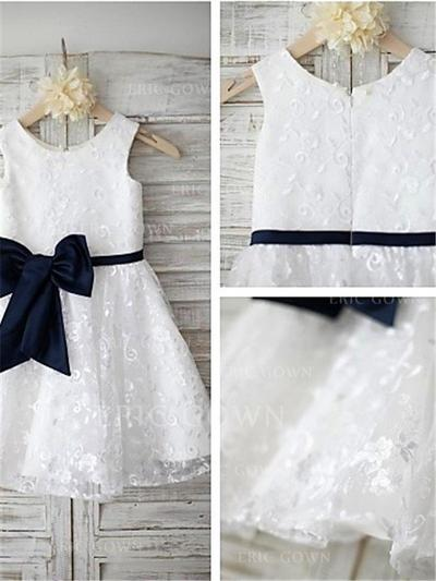 A-Line/Princess Scoop Neck Knee-length With Bow(s) Lace Flower Girl Dresses (010211968)