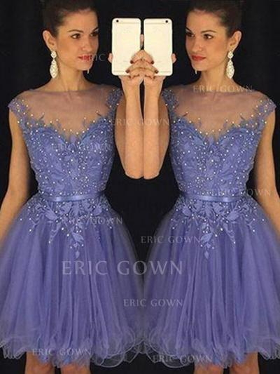 A-Line/Princess Scoop Neck Knee-Length Tulle Cocktail Dresses With Beading (016145316)
