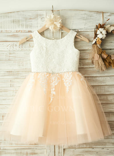A-Line/Princess Scoop Neck Knee-length With Appliques/Rhinestone Tulle Flower Girl Dresses (010212069)