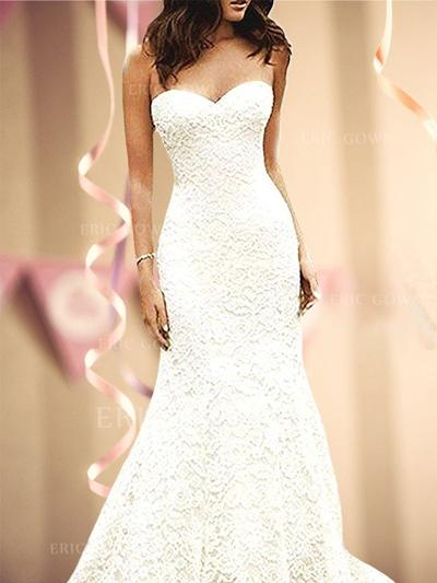Trumpet/Mermaid Sweetheart Sweep Train Wedding Dresses With Lace (002218630)