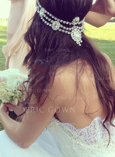 A-Line/Princess Sweetheart Court Train Wedding Dresses With Appliques Lace (002146277)