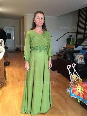 A-Line/Princess Chiffon Long Sleeves V-neck Floor-Length Zipper Up Mother of the Bride Dresses (008212770)