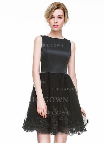 A-Line/Princess Scoop Neck Short/Mini Satin Tulle Cocktail Dress With Appliques Lace (016083830)