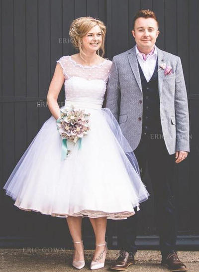 A-Line/Princess Scoop Tea-Length Wedding Dresses With Lace (002217906)