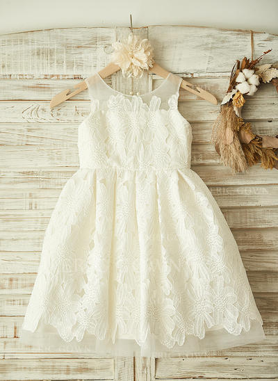 A-Line/Princess Scoop Neck Knee-length With Appliques Lace Flower Girl Dresses (010212068)
