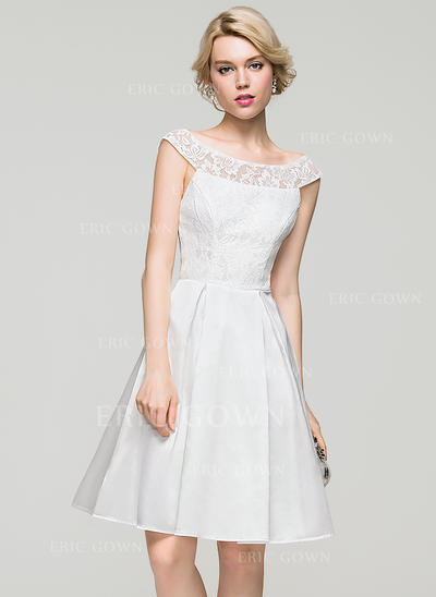 A-Line/Princess Scoop Neck Knee-Length Charmeuse Homecoming Dresses (022214077)