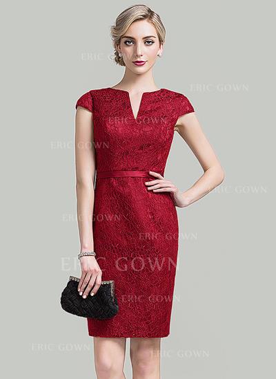 Sheath/Column V-neck Knee-Length Lace Cocktail Dress (016096564)