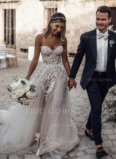 A-Line/Princess Sweetheart Court Train Wedding Dresses With Appliques (002219336)