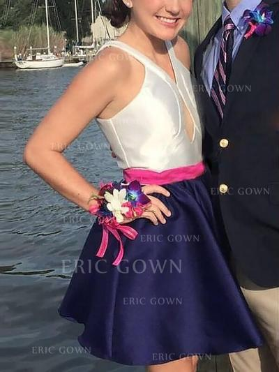 A-Line/Princess V-neck Short/Mini Homecoming Dresses With Sash (022216369)