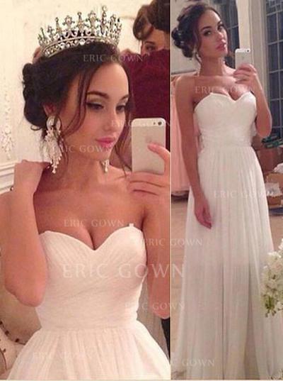 A-linjeformat Älsklingsringning Golvlång Bröllopsklänningar med Rufsar (002144887)
