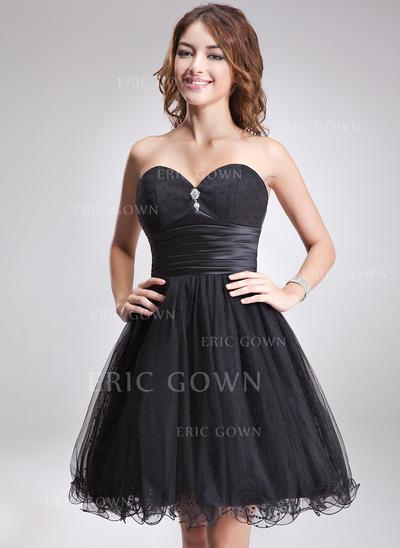 A-Line/Princess Sweetheart Knee-Length Homecoming Dresses With Ruffle Beading (022213944)