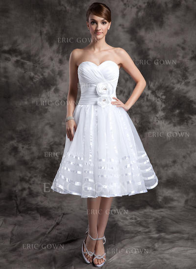 A-Line/Princess Sweetheart Knee-Length Wedding Dresses With Ruffle Flower(s) (002196890)