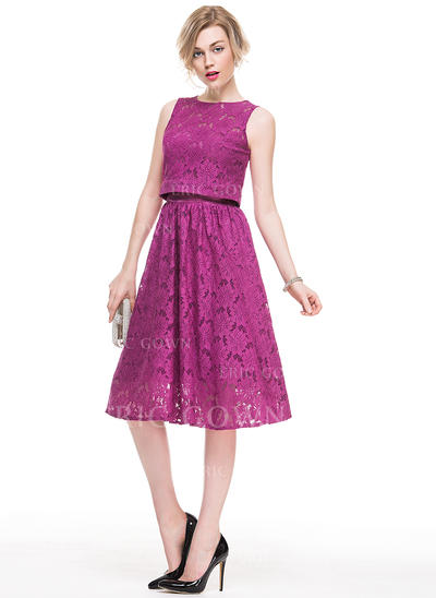 A-Line/Princess Strapless Knee-Length Lace Cocktail Dress (016083904)