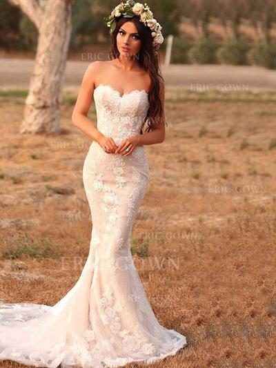 Trumpet/Mermaid Sweetheart Sweep Train Wedding Dresses With Appliques (002219369)