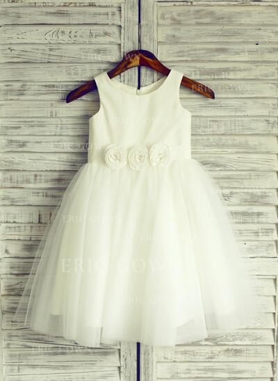 A-Line/Princess Knee-length Flower Girl Dress - Tulle Sleeveless Scoop Neck With Flower(s) (010105768)
