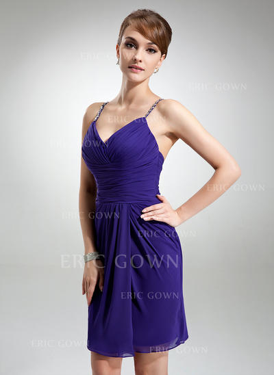 Sheath/Column V-neck Knee-Length Chiffon Cocktail Dresses With Ruffle Beading (016021157)