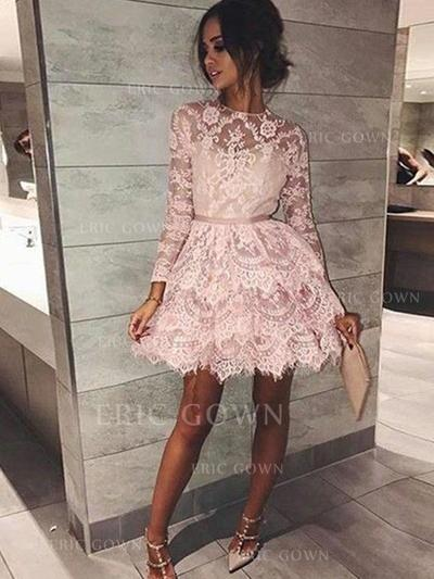 A-Line/Princess Scoop Neck Short/Mini Lace Cocktail Dresses With Sash (016217701)