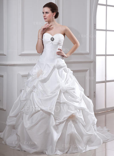 Ball-Gown Sweetheart Chapel Train Wedding Dresses With Ruffle Beading Flower(s) (002001719)