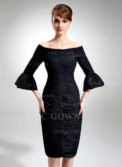 Sheath/Column Off-the-Shoulder Knee-Length Chiffon Cocktail Dress With Ruffle (016021259)