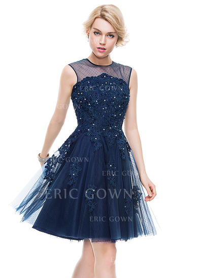 A-Line/Princess Scoop Neck Knee-Length Tulle Lace Homecoming Dresses With Beading Sequins (022214093)