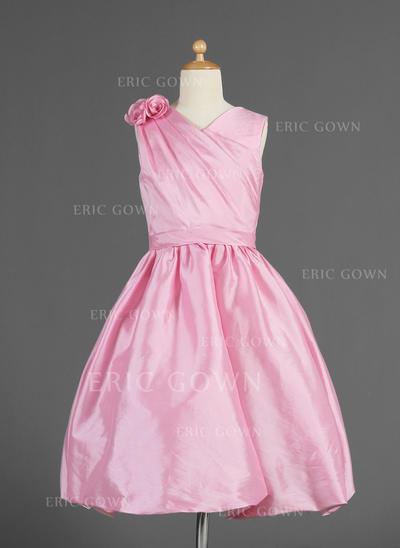 Newest V-neck A-Line/Princess Flower Girl Dresses Knee-length Taffeta Sleeveless (010014618)