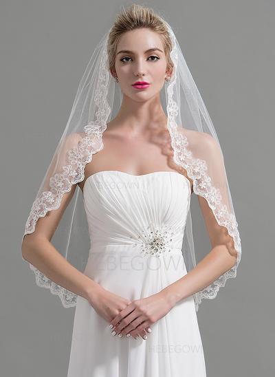 Fingerspitze Braut Schleier Tüll Einschichtig Klassische Art/Ovale mit Spitze Saum Brautschleier (006151951)