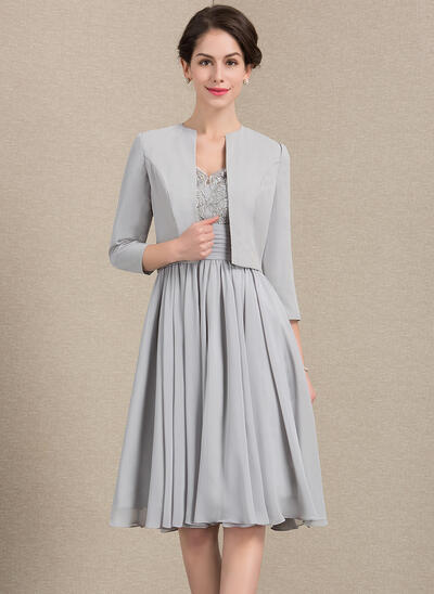 A-Line V-neck Knee-Length Chiffon Lace Mother of the Bride Dress With Ruffle Sequins (008143372)