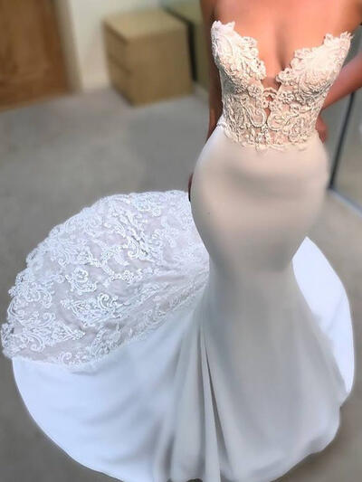 Sweetheart Trumpet/Mermaid Wedding Dresses Satin Appliques Sleeveless Court Train (002144932)