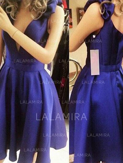 A-Line/Princess V-neck Short/Mini Homecoming Dresses With Bow(s) (022216381)