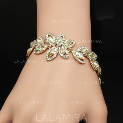 "Bracelets Alloy/Rhinestones Ladies' Beautiful 7.09""(Approx.18cm) Wedding & Party Jewelry (011167923)"